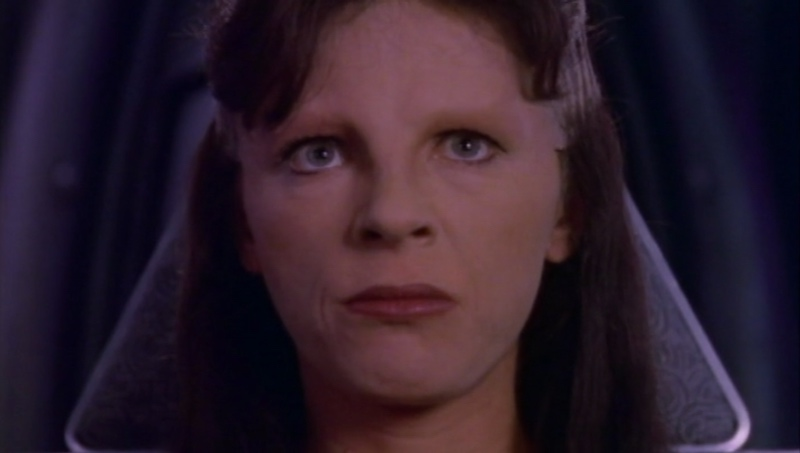 Delenn issues her ultimatum to Earthforce.